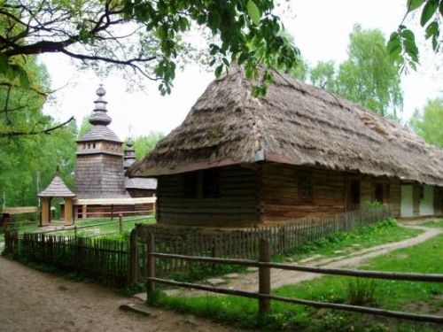 Shevchenkivskyi Hai (The museum of folk life and architecture - scansen)